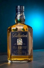 Ballantines Scotch Whisky - Gold Seal Special Reserve - 12 year old 750ml