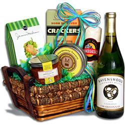 St Patricks Day Treasures Wine Gift Basket